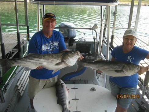 Beaver lake striped bass fishing report 09 07 2016 for Beaver lake fishing guides