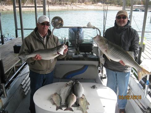 Beaver lake striped bass fishing report 03 02 2016 for Beaver lake fishing guides